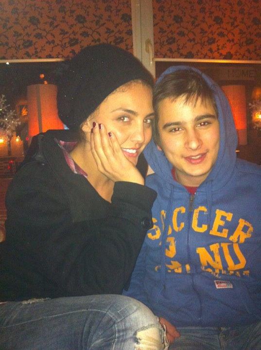 Genta Ismajli - Ben foto me fansat ne Gjakove