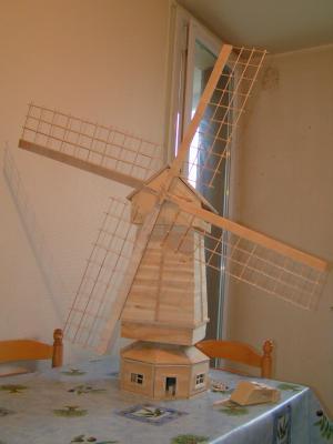 Mon moulin petite fabrication personnelle en bois de - Moulin a vent en bois a fabriquer ...