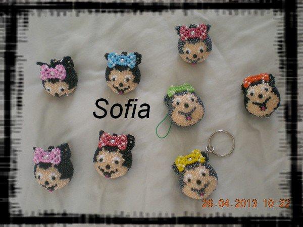 Portes clé tête de minnies, tête de mickey et tête d'Hello Kitty