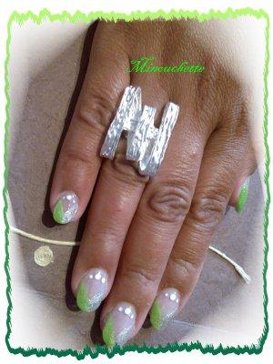 french en biaie vert pomme et argentée avec point blanc