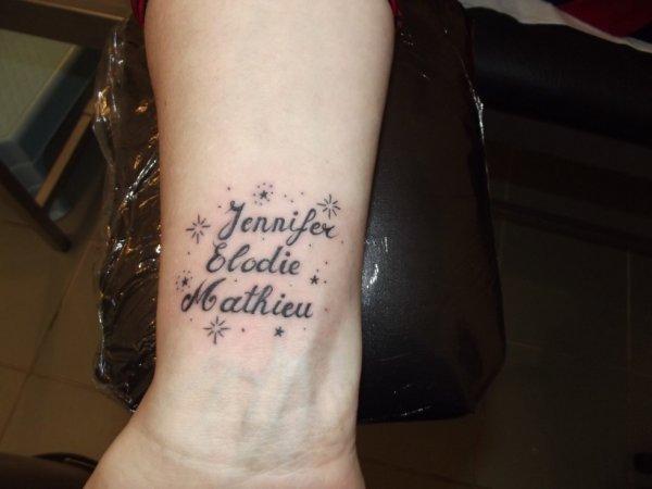 Tattoo prenom fantasy tattoo piercing - Tatouage infini prenom poignet ...