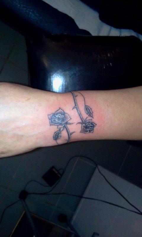 tattoo bracelt rose