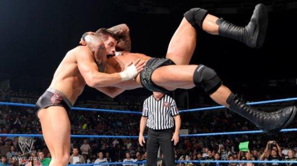 CODY RHODES VS RANDY ORTON IN A STREET FIGHT A BRUTAL SMACKDOWN!!
