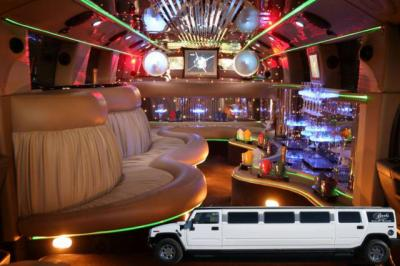 Voila encore un interieur du h2 limousine hummer only for Interieur hummer