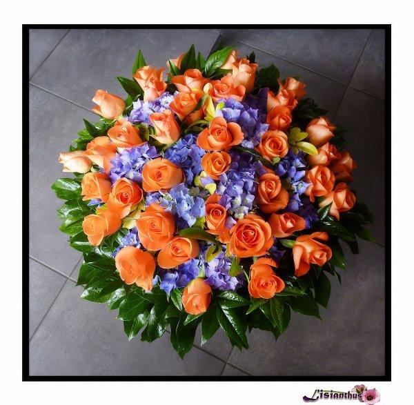 coussin de fleurs art floral bouquet cr ations. Black Bedroom Furniture Sets. Home Design Ideas