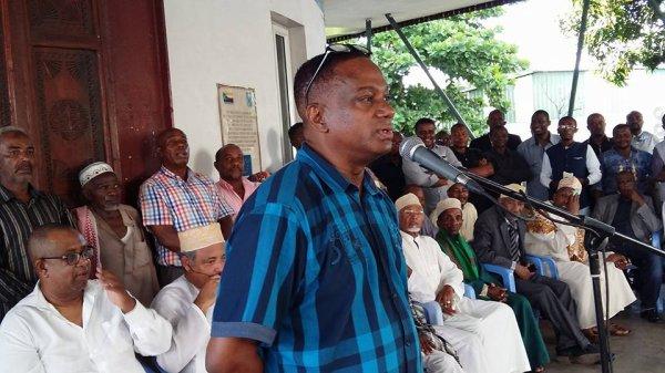 Interview de Mohamed TAKIOUDDINE, Repr�sentant de NARAWAZE aupr�s de la Diaspora.