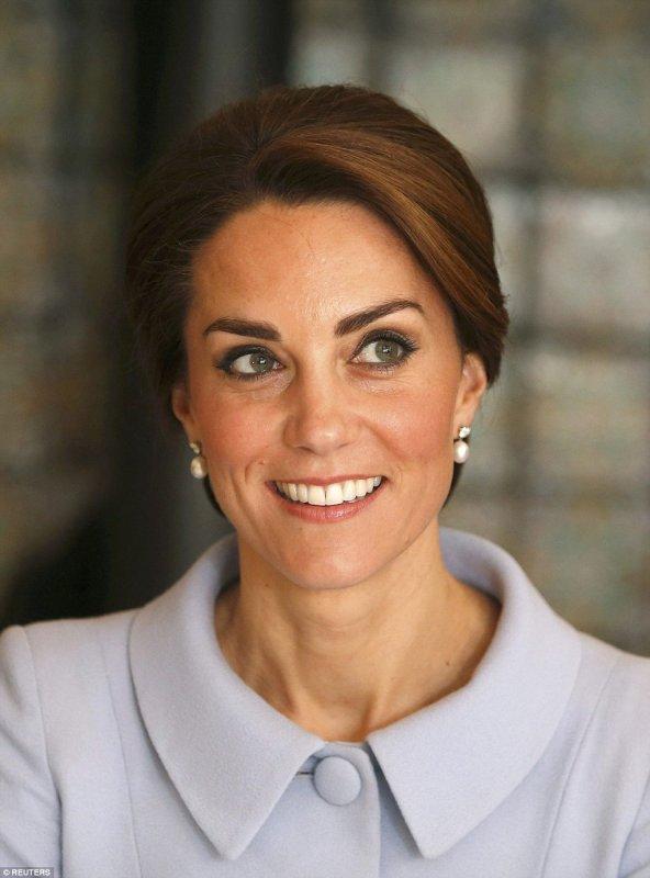 Duchess Catherine - Solo the Netherlands , le 11 Octobre 2016 _ Suite