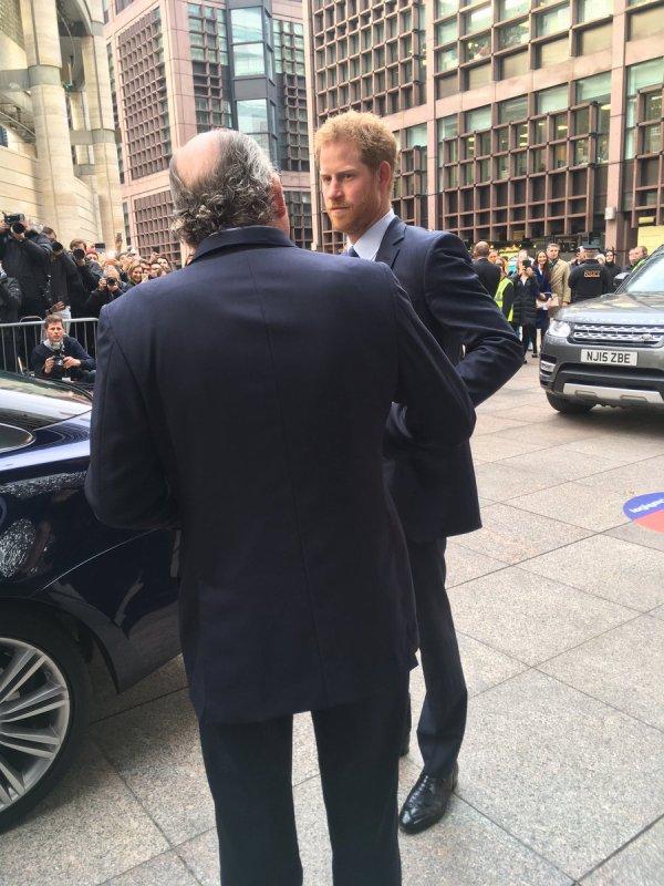 Prince Harry -  ICAP Charity Trading Day  Aid Of Sentebale , le 07 Décembre 2016 _ Suite