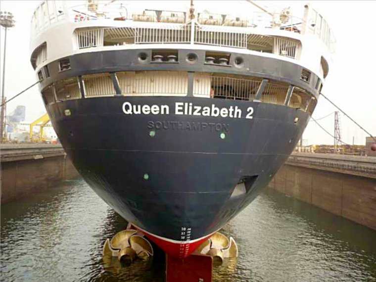 Articles de atlantique nord tagg s qe2 blog de for Queen mary 2 interieur
