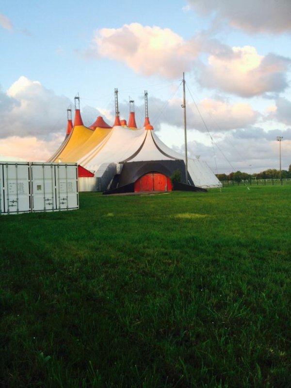 ecole du cirque de rogny sous bois  le géant costarmoricain ~ Ecole Du Cirque Fontenay Sous Bois