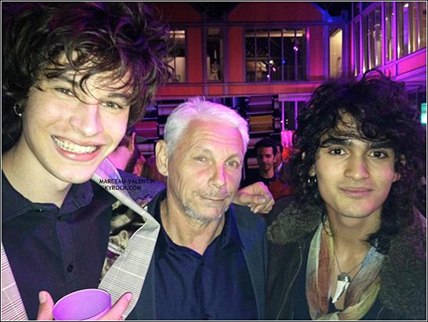 .  D�couvrez une nouvelle image de Valentin Michel Boulanger et Adam Vadel � la convention EMI ce 06 septembre 2012. D�couvrez aussi une nouvelle image via Twitter. + TOP, BOF, FLOP ?  .