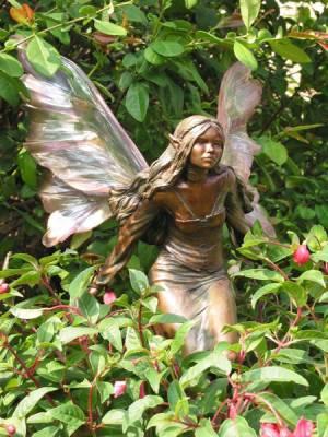 Sculpture pour jardin en bronze 1 tout sur les f es for Sculpture moderne pour jardin