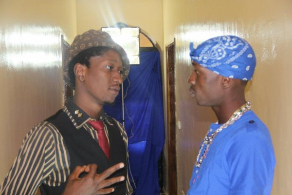 clash memo and gasp  / Le fou imbe ki kono ki ka kouna (2012)
