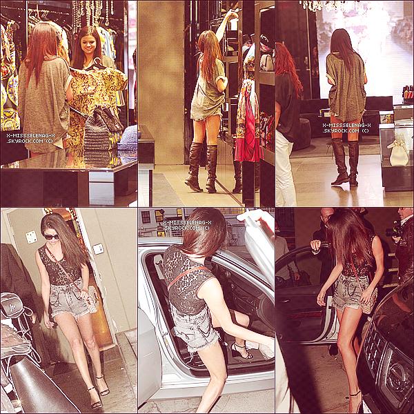 + April 15th  ;   Selena dans le magazin 'Dolce & Gabana' et le quittant à Beverly Hills. + Découvre de nouvelles photos (promo, stills) pour Spring Breakers. +