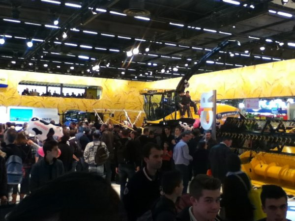 Stand new holland au sima!