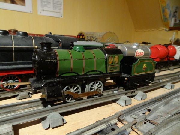 trains jouets en 0 1 locomotives hornby fan des trains et de bugatti. Black Bedroom Furniture Sets. Home Design Ideas