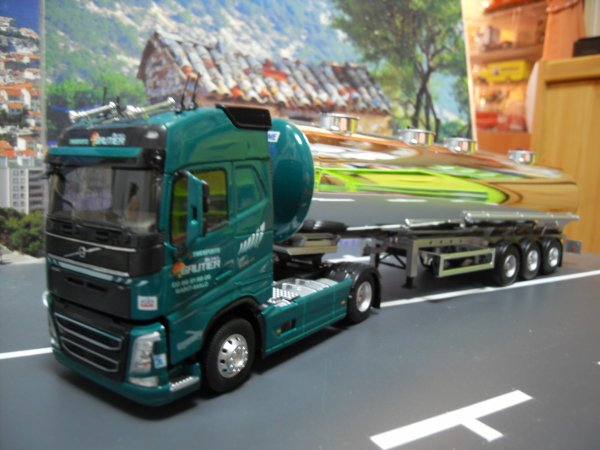 volvo fh4 500 et citerne alimentaire refrigeree transports michel gautier un modele eligor ref. Black Bedroom Furniture Sets. Home Design Ideas