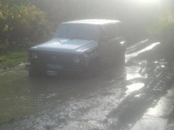 Mes premier essaie dans la boue lada niva 1600 4x4 for 4x4 dans la boue