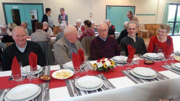 LEUHAN : Repas des Anciens.(1)