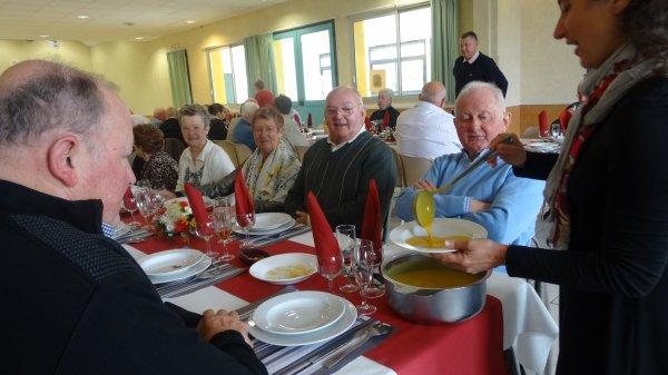 LEUHAN  : Repas des Anciens (2)