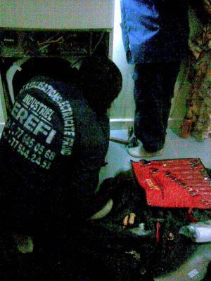 Nos R�alisations: Montage armoire SPLIT R�sidence KEUR CHEIKHOUL KHADIM � TOUBA