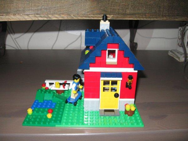 31009 la petite maison de lego. Black Bedroom Furniture Sets. Home Design Ideas