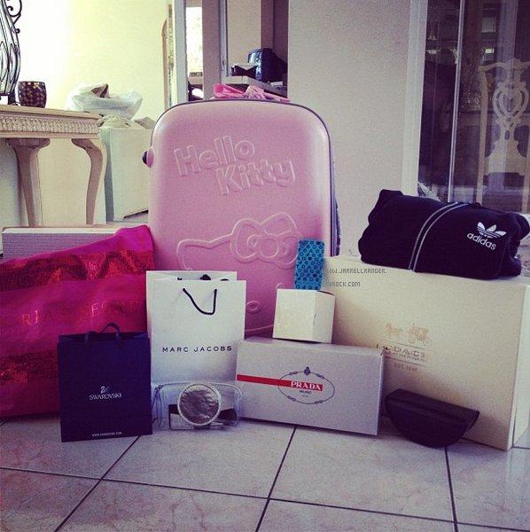Marc Jacobs, Prada , Hello Kitty, Adidas : Jessica's christmas ;)
