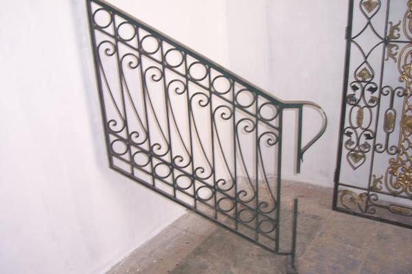 rampe d 39 escalier fer forg 1 blog de barrieres rampes fer. Black Bedroom Furniture Sets. Home Design Ideas