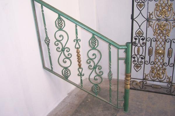 rampe d 39 escalier fer forg 3 blog de barrieres rampes fer. Black Bedroom Furniture Sets. Home Design Ideas