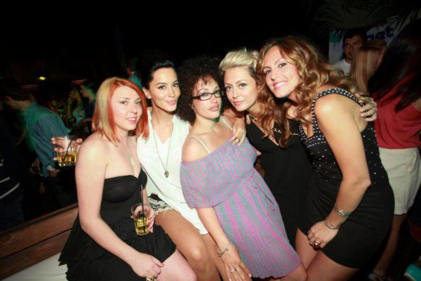 Dafina, Ledri, Rezarta, Adriana ne Platon Club Prishtin