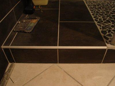 Baguette finition marche de douche notre maison nos travaux - Baguette de finition carrelage ...