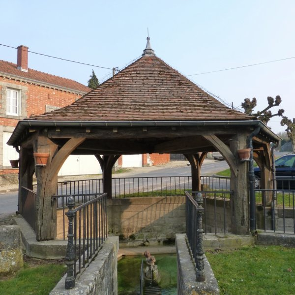 PETIT LAVOIR A ETREPY (Marne)