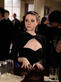 "Ringer 1.15 ""P.S. You're an Idiot"" and 1.16 ""You're Way Too Pretty To Go To Jail"" and Gossip Girl 5.17 ""The Princess Dowry"""