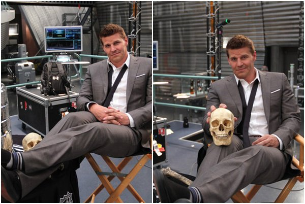 """• • The Stanley Cup Appears On The Set of """"Bones"""" - 02 Mai 2012 • •"""
