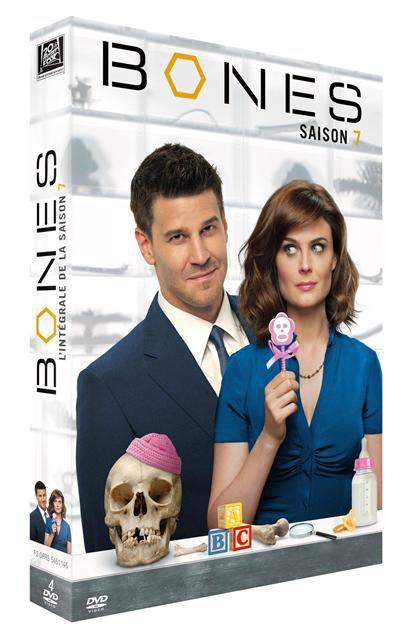 • •  Voici à quoi ressemblera le coffret DVD de la saison 7 ! Pour rappel : il sort le 6 février !   • •