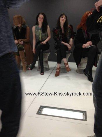 Kristen Stewart au défilé Balenciaga