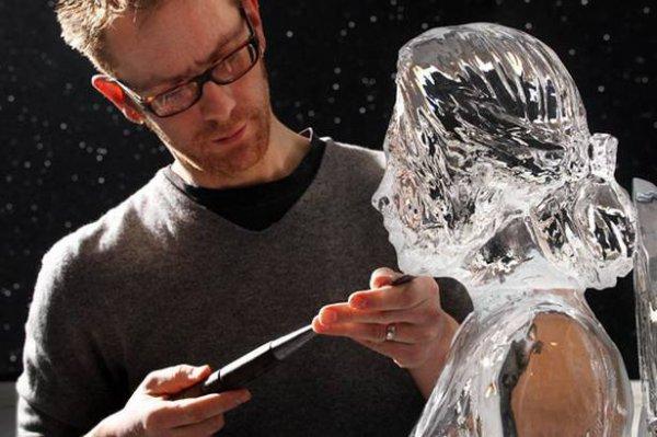 La statue de glace de Kristen Stewart