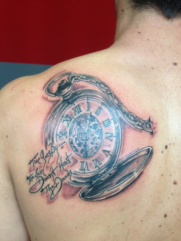 Tite montre a gousset enfin tite si on veux blog de tattooced - Montre gousset tatouage ...