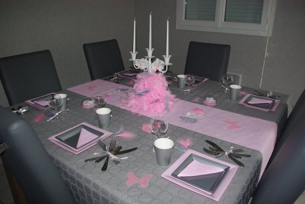 table rose et grise deco de table de christine. Black Bedroom Furniture Sets. Home Design Ideas