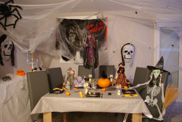 articles de deco de table 37 tagg s halloween deco de table de christine. Black Bedroom Furniture Sets. Home Design Ideas