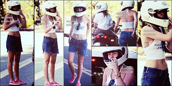 . |15/09/2014 | Candids | Miley voulant passer du bon temps avec sa soeur Noah avec leur scooter � trois roues offert par leur p�re, �s'est fait suivre par des paparazzis, ne la laissant pas tranquille malgr�s plusieurs avertissements, Miley a d� appeler la police ! .