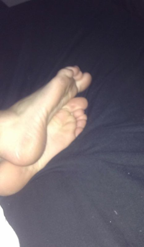 les pieds de nessia encore