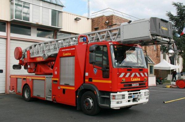 jpo csp viry chatillon 91 2011 photos de v hicules de sapeurs pompiers fran ais. Black Bedroom Furniture Sets. Home Design Ideas