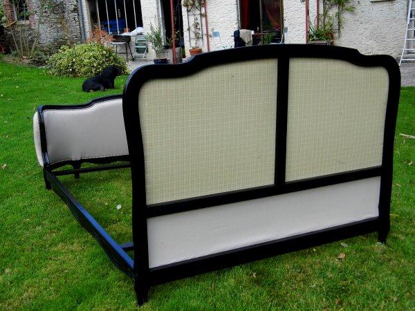 lit style louis xv demi corbeille blog de tapisserie d ameublement. Black Bedroom Furniture Sets. Home Design Ideas