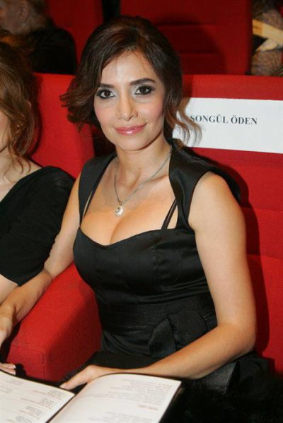 Songul Oden Nude Photos 23