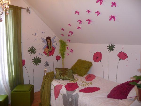 Peinture sur mur chambre d 39 enfant f e et fleur m lart - Peinture mur chambre ...