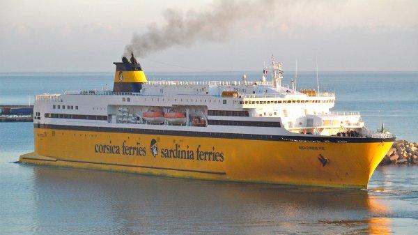 Le mega express 5 shipmania for Mega express 2 piscine