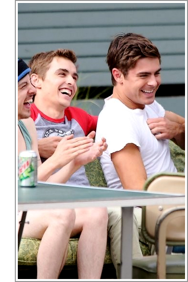 © ZEfron™  03.06.2013  -  Interview de Dave Franco concernant son rôle dans From Here to Fraternity (Townies) & Zac Efron.