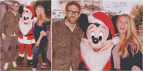 . 16/12/16 : Blake et Ryan Reynolds ont été vus à « Disneyland » pour une journée en famille à Anaheim (CA) : Les 02 tourtereaux ont posé avec le célèbre Mickey Mouse. Ils étaient présents pour fêter les 02 ans de leur petite James. Ne sont-ils pas mignons? .