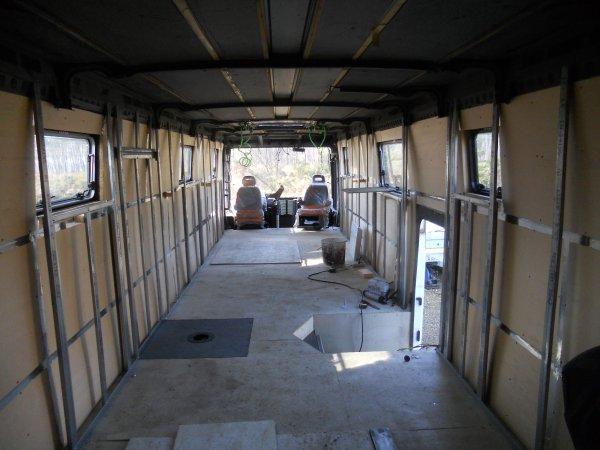 post le jeudi 10 mars 2011 13 42 renault fr1. Black Bedroom Furniture Sets. Home Design Ideas